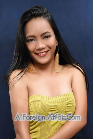 185328 - Monslyn Age: 19 - Philippines